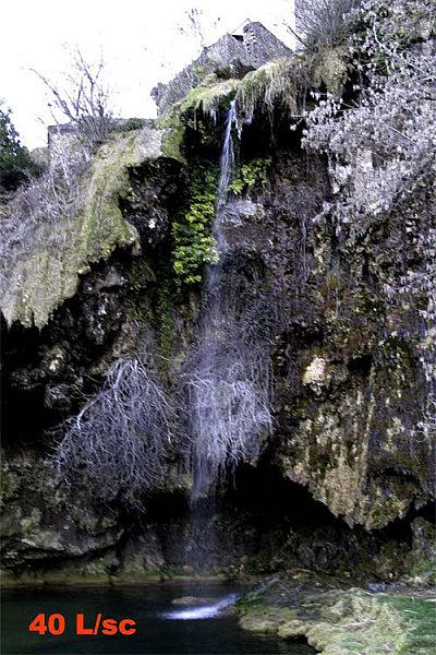 debit-40l-cascade-salles