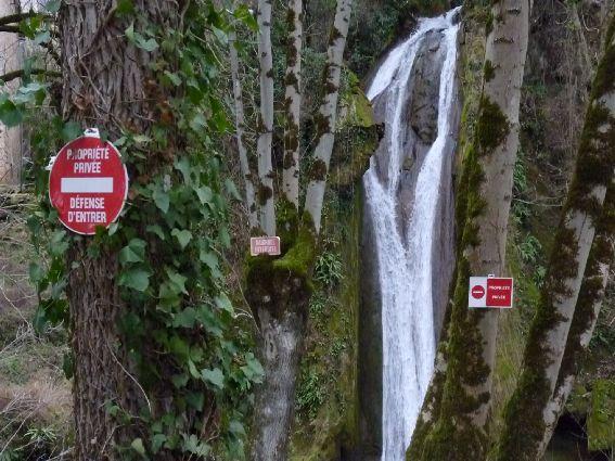 cascade de la Crouzie, passage interdit