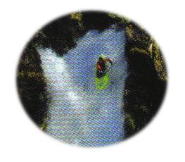saut de la cascade de la Crouzie en kayak à salles-la-Source